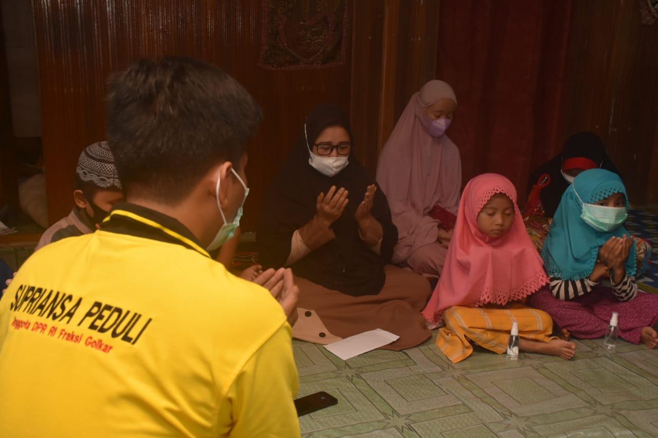 Terima Bantuan, Para peserta didik Rumah Tahfidz Qur'an Lakukan Doa Keberkahan Untuk Supriansa
