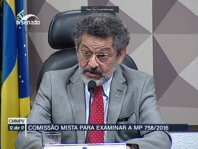 Screenshot frpmo the meeting to vote on the report of the Joint Committee that examines the MP 758/2016, amending the boundaries of the National Park of the Jamanxim and Tapajós environmental protection area, 12 April 2017. Photo: TV Senado