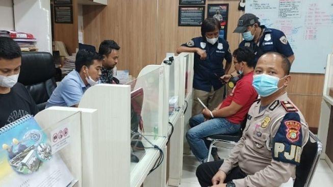 Polisi Tangkap Pria Ngaku Anggota Propam Mabes Polri Saat Terjaring Plat Nomor Palsu