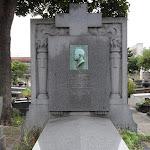 Cimetière de Belleville : tombe GAUMONT Léon (1863-1946) (Div.13), inventeur de l'appareil cinématographique