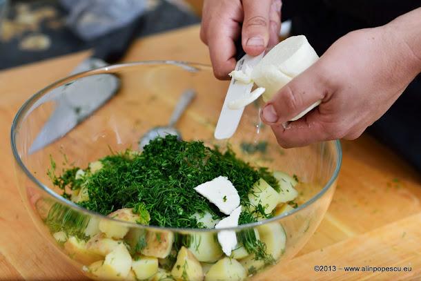cartofi fierti cu unt