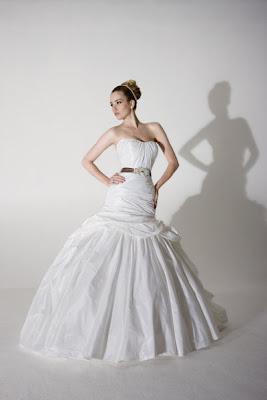 Diamond White Velvet Wedding Gown