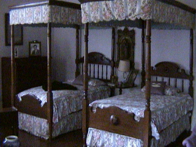 1330Inside_a_Southern_Mansion_-_New_Orleans