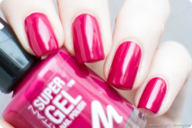 Manhattan Super Gel Nail Polish Swatch Erfahrungsbericht sweet side time for taupe berry love mauvelicious-4