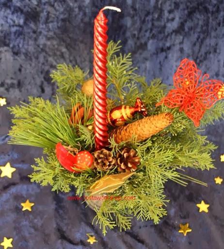 9 kerststukje rood bovenaf w.JPG