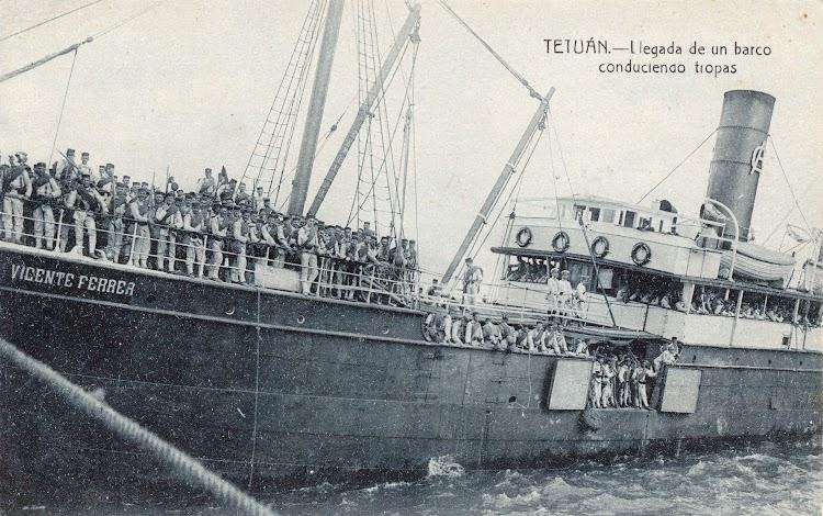 Vapor VICENTE FERRER. Una de sus funciones fue la de transporte de tropas en la guerra de Marruecos. Foto remitida por Laureano Garcia. Postal.jpg