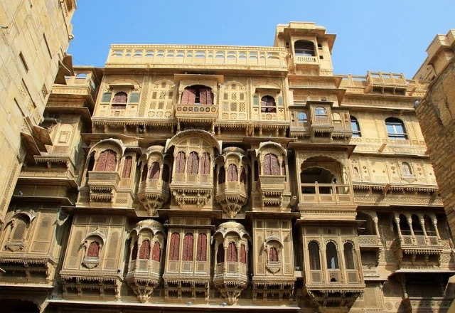 Patwon ki haveli in Jaisalmer in Hindi