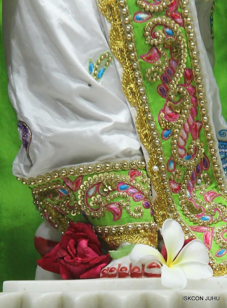 ISKCON Juhu Mangal Deity Darshan on 26th June 2016 (38)