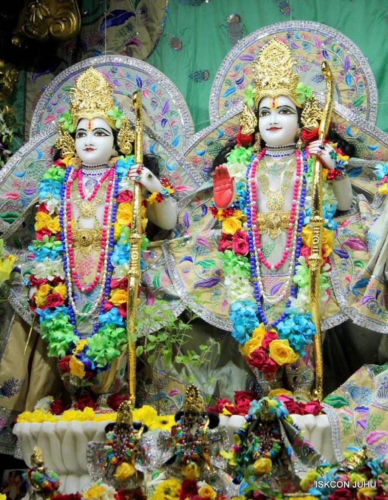 ISKCON Juhu Sringar Deity Darshan on 26th Aug 2016 (53)
