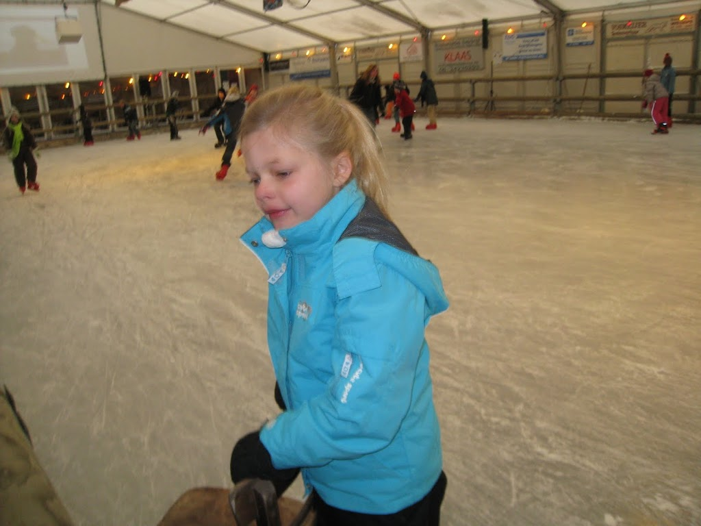 Sinterklaas bij de schaatsbaan - IMG_5112.JPG