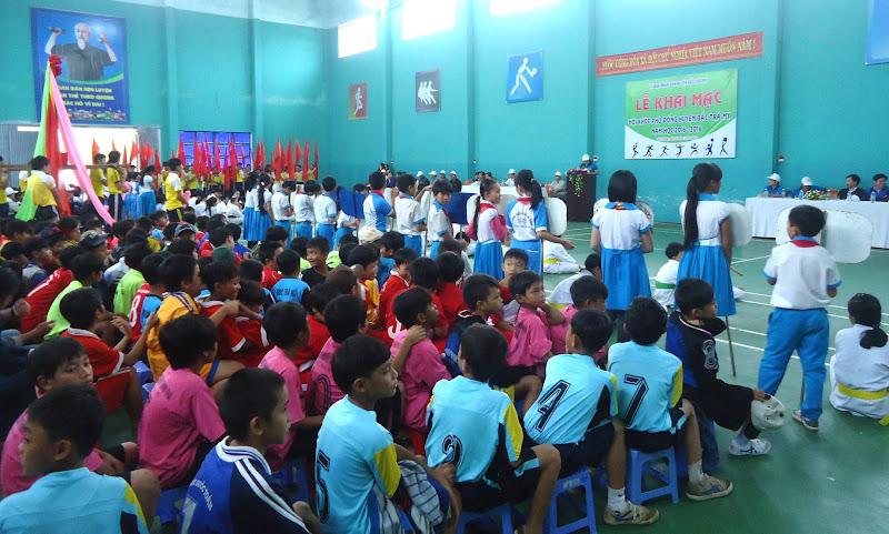 Khai mạc Hội khỏe Phù đổng cấp huyện năm học 2015-2016