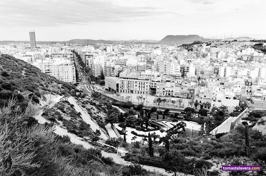 Nikon D5100, 10-20 mm, Paisajes, Blanco y negro, Alicante, Avenida Alfonso X El Sabio, Parque de la Tuna, Monte Benacantil,