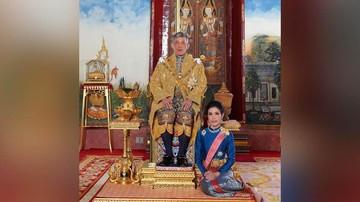 Demo Thailand Masih Panas, Massa Bidik Raja Doyan Poligami