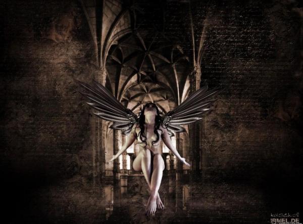Enigmatic Queen Eyes, Demons