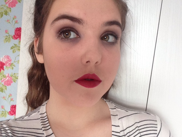 i have done a vampire look today that is super simple but very nice too i hope you like it