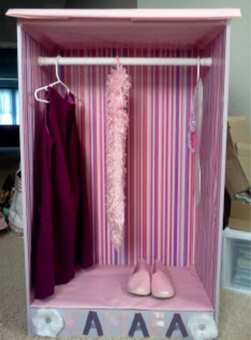 As A Result, I Made This Cute Dress Up Closet For My Little Girl To Keep  All Of Her Dress Up Clothes.