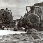 kviti_002_Памятник - ваза из цветов 700 к 700-летию Львова.1956 г.jpg