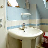 Room X3-bathroom1