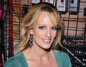Stormy Daniels Bio, Age, Height, Weight, Career, Net Worth, Affair, Dating, Affair with Donald Trump, Bra Size, Chest Size, Body Measurements, Trivia, Facts, Wiki