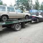 forklift + scrap car 13 07 12 001 - Volvo & Sebring - Vancouver.JPG