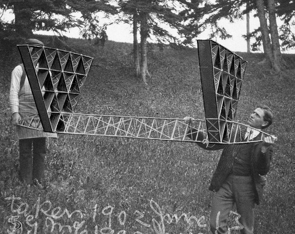 graham-bell-tetrahedral-kites-9