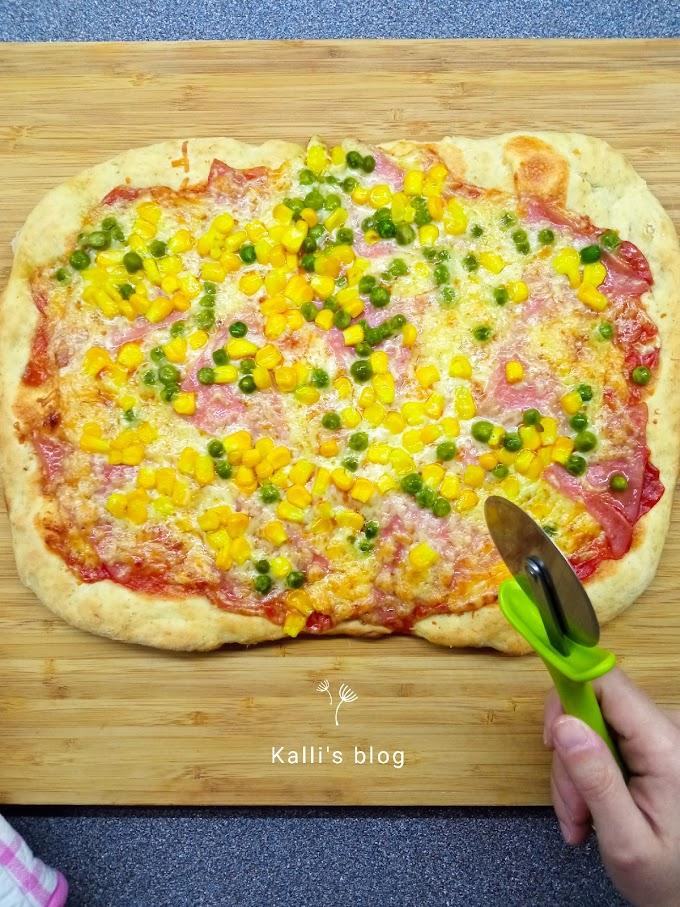 Εύκολη σπιτική πίτσα στην στιγμή!