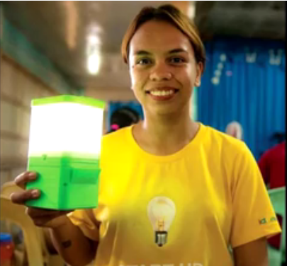 Image of Filipina Invented a Lamp that Lights Up with Just Salt and Water