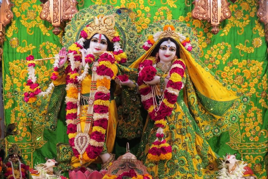 ISKCON Vallabh vidhyanagar Deity Darshan 11 jan 2017 (1)