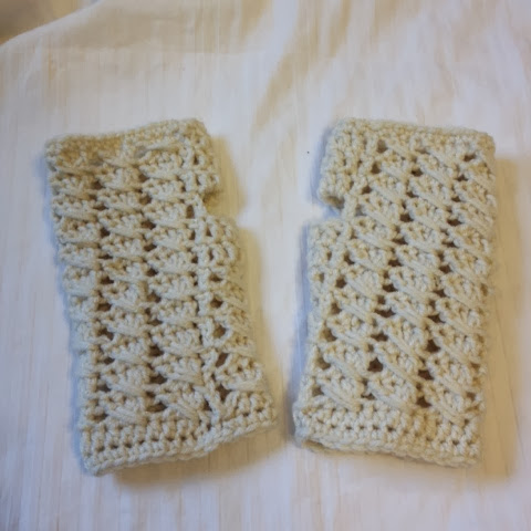 Crocheted Fingerless Cable Mittons