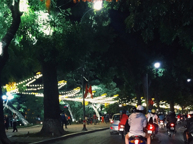 vietnam, hanoi, hoan kiem lake, old quarter, pho, spring rolls, thang long water puppet theater