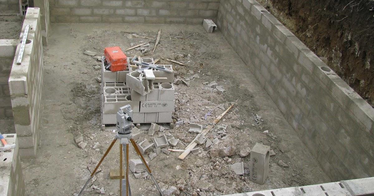 je fais construire ma maison bient t la dalle 2 4. Black Bedroom Furniture Sets. Home Design Ideas