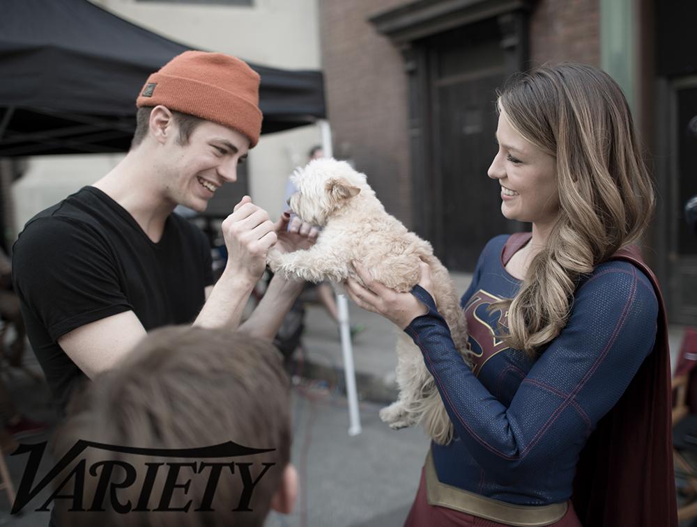Nuevas fotos detras de camaras del capitulo de Supergirl y Flash