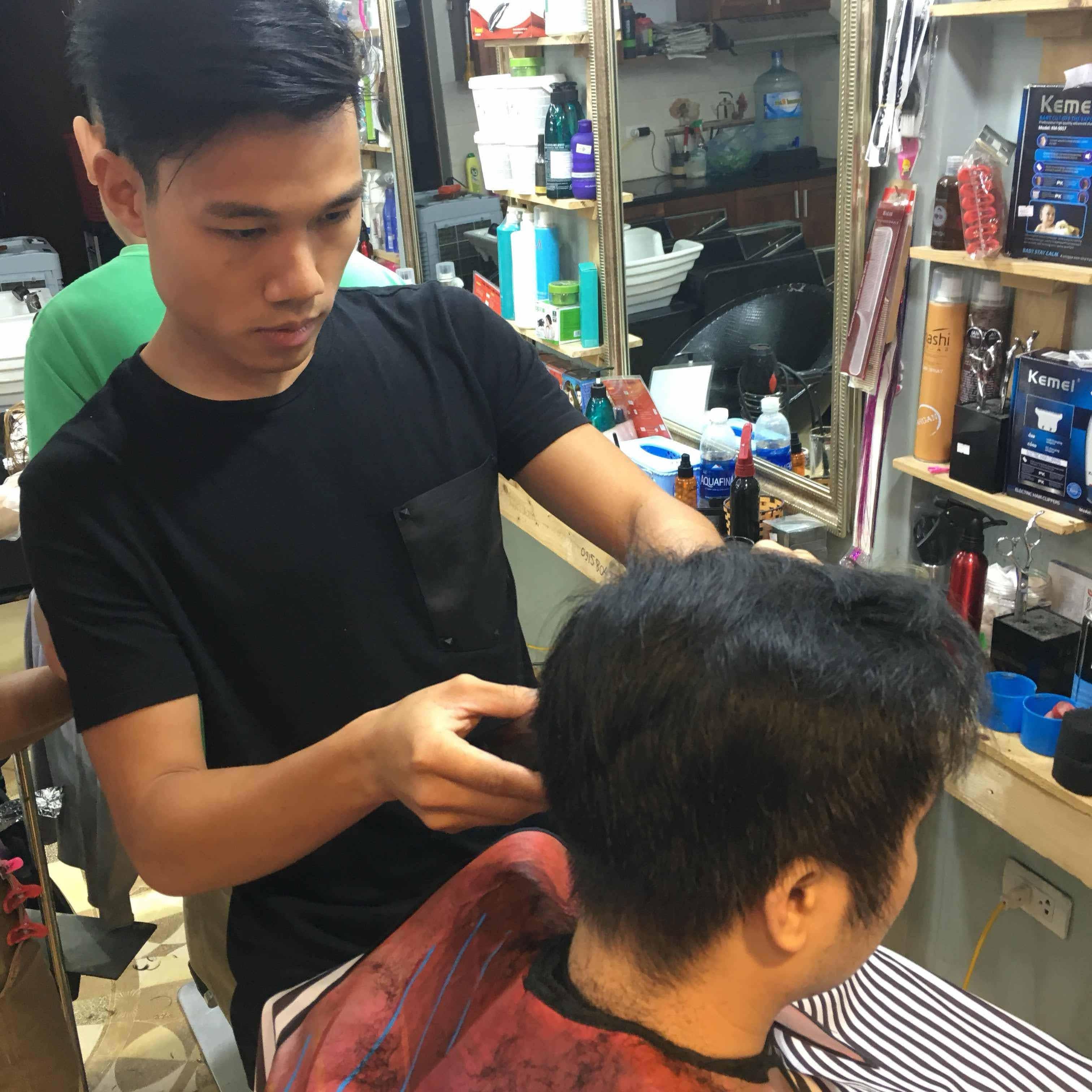 Tìm chỗ dạy học cắt tóc thật 100% tại Hà Nội cam kết giỏi nghề sau 2 tháng