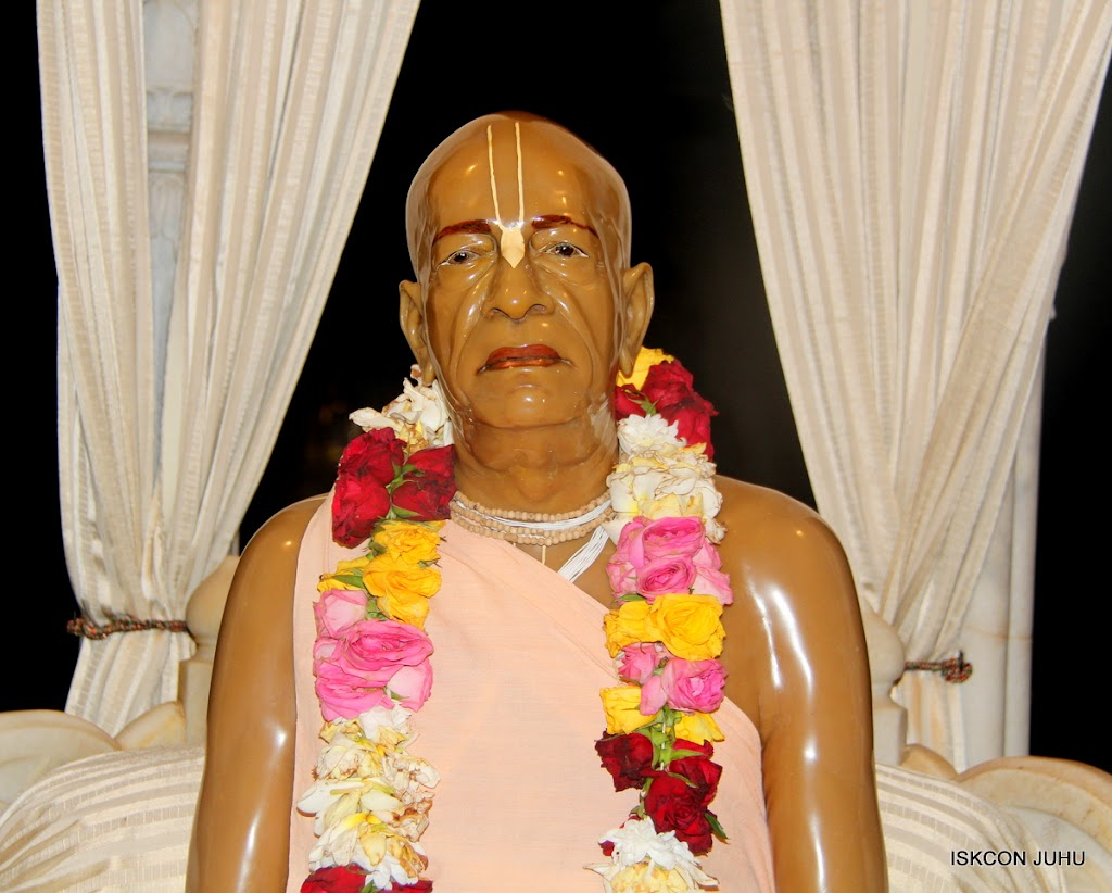 ISKCON Juhu Mangal Deity Darshan on 4th Aug 2016 (15)