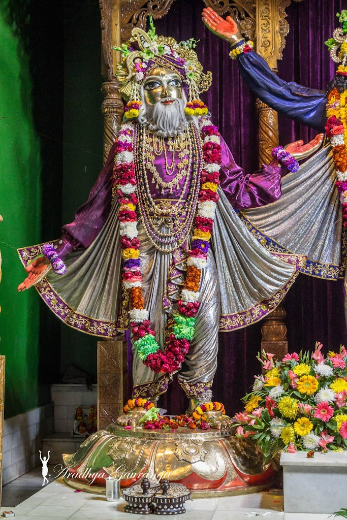 ISKCON Mayapur Deity Darshan 13 Jan 2017 (23)