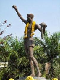 Hua Hin Denkmal Boxer Pone Kingpetch