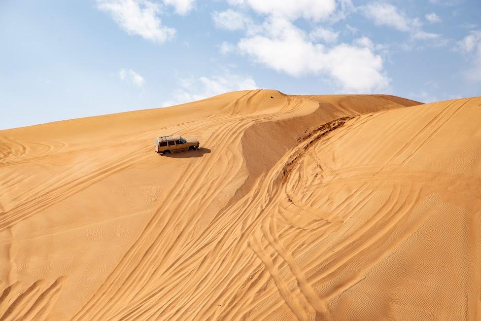 Wahiba Sands, Oman, pustynia, samochód
