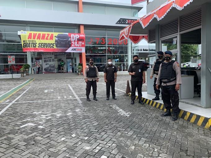 Patroli Sambang, Brimob Kaltim Sampaikan Pesan Kamtibmas Kepada Security