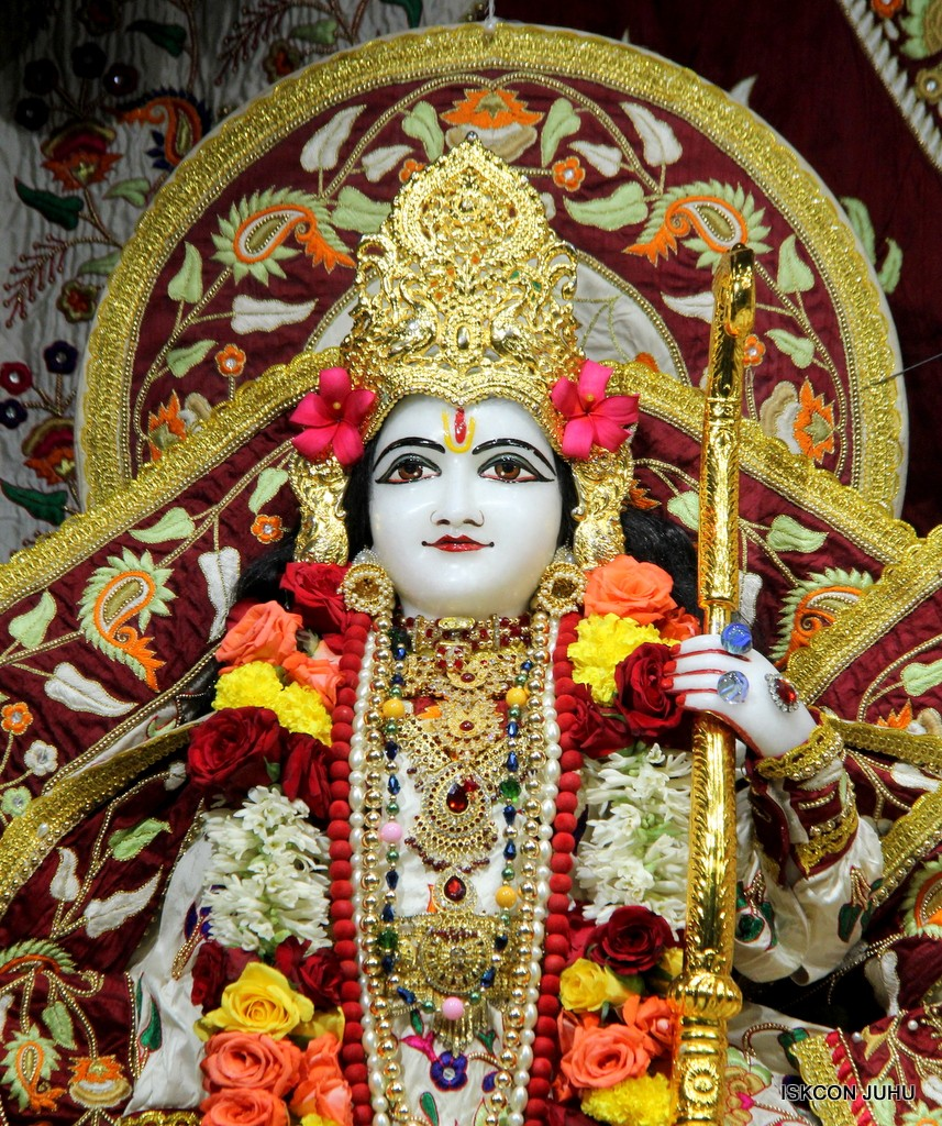 ISKCON Juhu Sringar Deity Darshan on 2nd Jan 2017 (25)