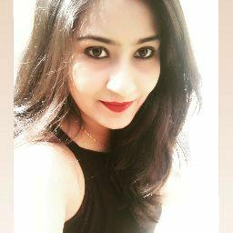 Shivani Pandey Photo 13