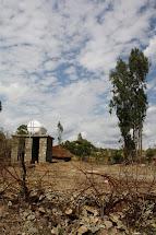 Hluboké vodní vrty dokáží lidem zajistit vodu i v období dlouhotrvájících such, kdy studny a jiné zdroje vysychají. (Foto: Monika Ticháčková)