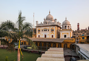 Signs of Sikh religion in Pakistan