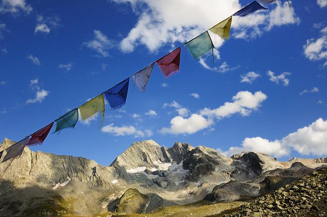 Traversée des Alpes, du lac Léman à la Méditerranée Gr5-mont-blanc-briancon-peclet-polset-drapeaux