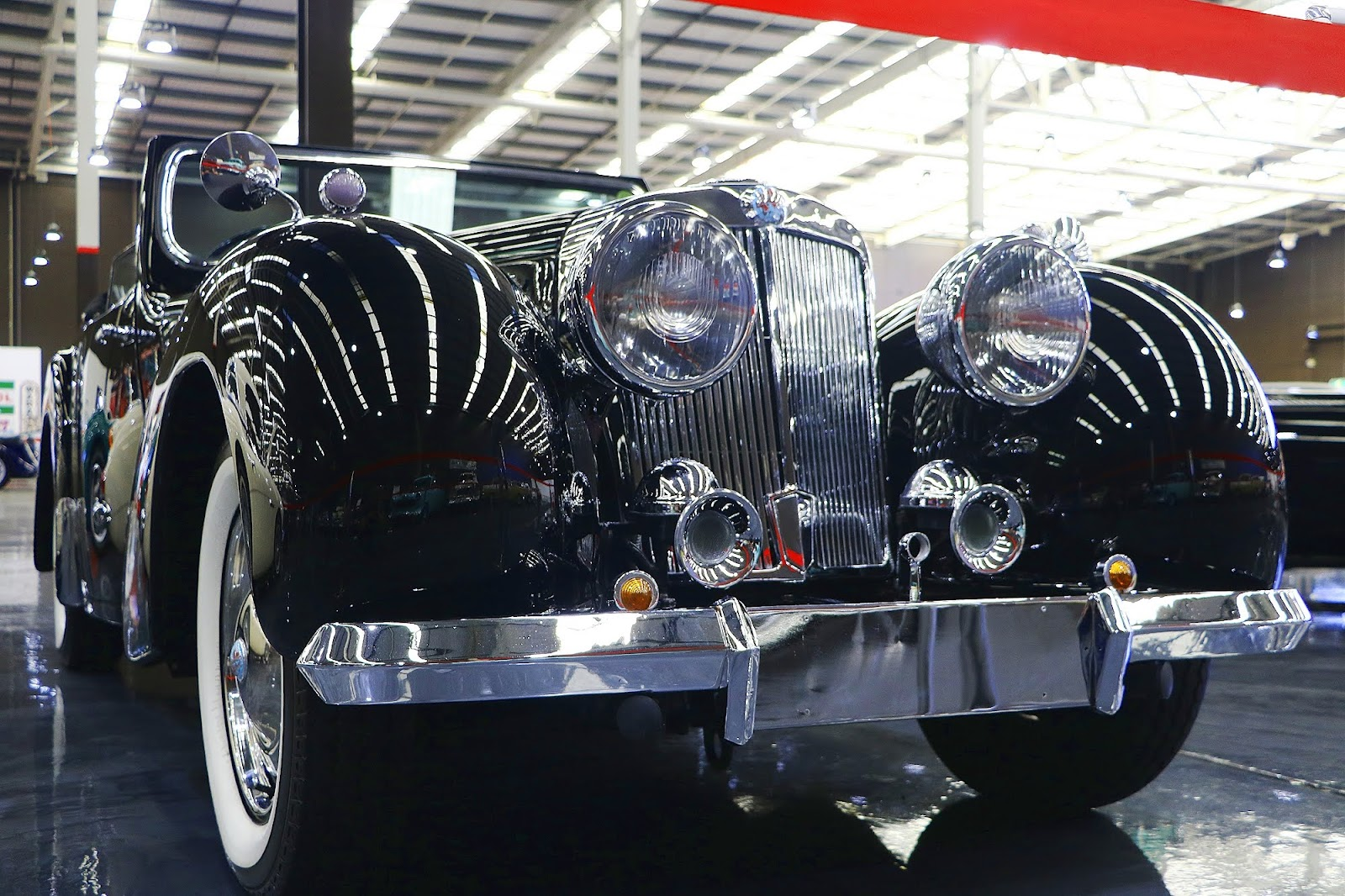 1948 Triumph Roadster 2000 (05).jpg