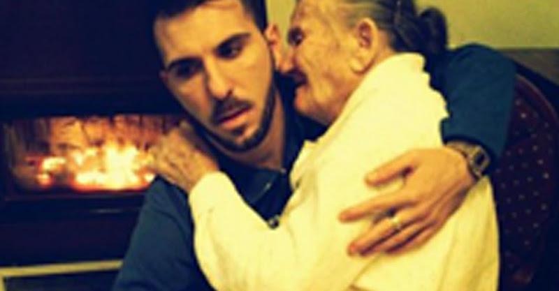 Neto segura ao colo avó com Alzheimer a 31 de Dezembro em foto viral
