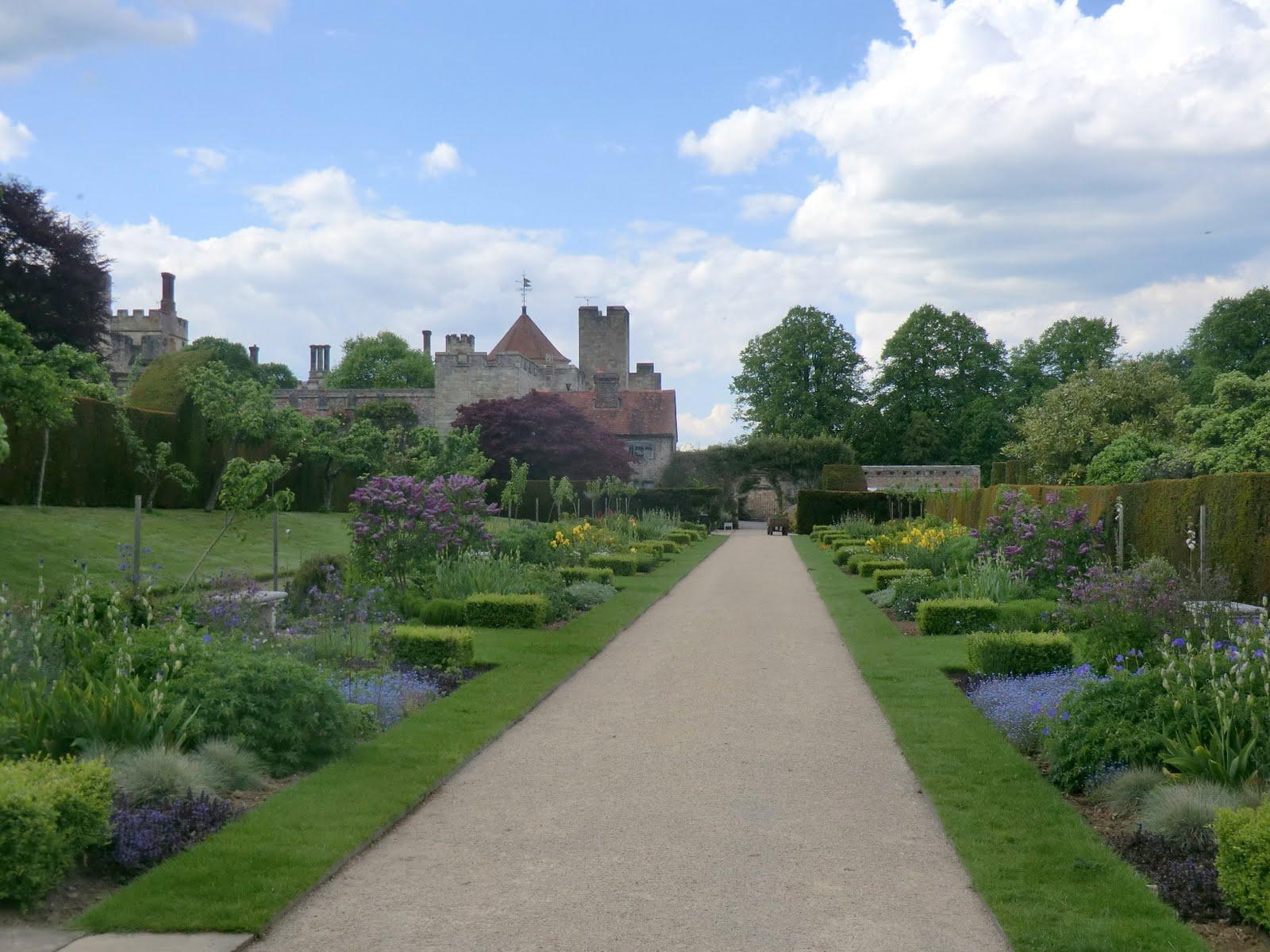 CIMG1114 A glimpse of Penshurst Place gardens