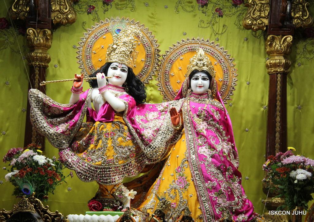 ISKCON Juhu Mangal Deity Darshan on 3rd Oct 2016 (18)