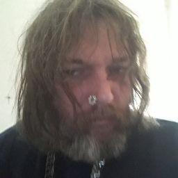 user Damon Francis apkdeer profile image