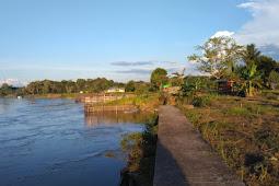 Di Duga di Kerjakan Asal-Asalan, Pembangunan Turap Tebing Sisi Kapuas Hulu Ambruk