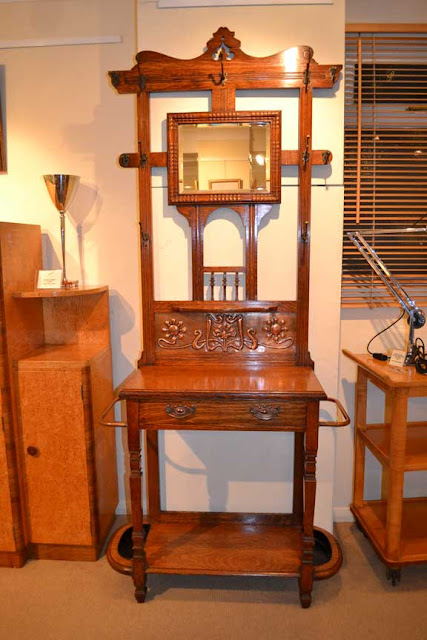Arts and Crafts Oak Hallstand by Shapland and Petter c1905